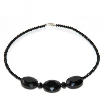 Brillante collar de cristal negro